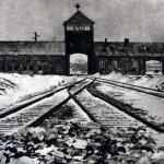 Le 27 janvier 1945 - La libération du camp d'Auschwitz-Birkenau dans EPHEMERIDE MILITAIRE entreprincipaleducampdauschwitz-150x150