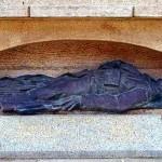 La statue du monument aux morts volée dans COUP DE GUEULE gisant-du-monument-aux-morts-de-pace-150x150